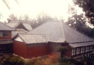 瓦の屋根(葺き替え前)