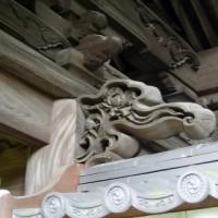 山門外側の彫刻