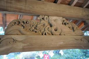 現在の薬師堂の彫刻 「青龍」